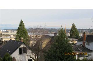 Photo 10: 332 BLAIR Avenue in New Westminster: Sapperton House for sale : MLS®# V879732