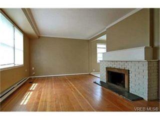 Photo 2: 1606 Burton Ave in VICTORIA: Vi Oaklands House for sale (Victoria)  : MLS®# 432900