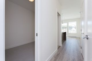 """Photo 12: 307 16396 64 Avenue in Surrey: Cloverdale BC Condo for sale in """"The Ridge at Bose Farms"""" (Cloverdale)  : MLS®# R2002175"""