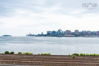 Photo 5: 6 Shore Road in Dartmouth: 10-Dartmouth Downtown To Burnside Residential for sale (Halifax-Dartmouth)  : MLS®# 202125862