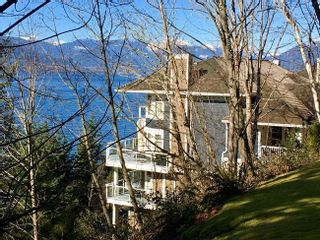 "Photo 1: 17 OCEAN POINT Drive in West Vancouver: Howe Sound 1/2 Duplex for sale in ""OCEAN POINT - PUNTA DEL MAR ESTATES"" : MLS®# R2530860"