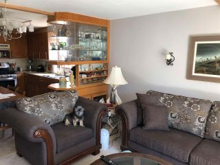 Photo 2: 44 4116 BROWNING Road in Sechelt: Sechelt District Manufactured Home for sale (Sunshine Coast)  : MLS®# R2600112