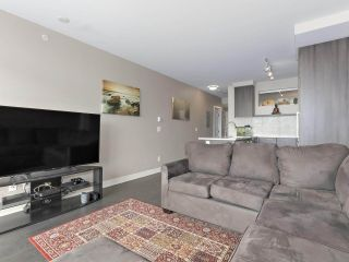 "Photo 6: 1908 668 COLUMBIA Street in New Westminster: Quay Condo for sale in ""Trapp & Holbrook"" : MLS®# R2378796"