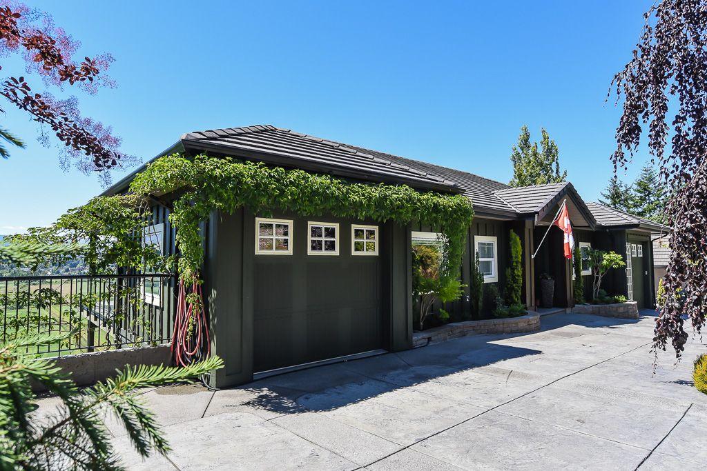 Main Photo: 1964 Snowbird in Courtenay: Z2 Courtenay East House for sale (Zone 2 - Comox Valley)  : MLS®# 449438