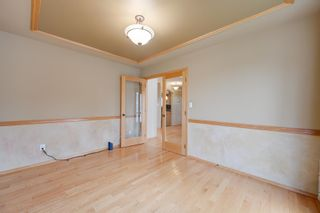 Photo 7: 227 LINDSAY Crescent in Edmonton: Zone 14 House for sale : MLS®# E4265520