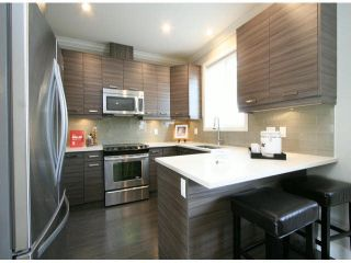 """Photo 5: 3 14177 103 Avenue in Surrey: Whalley Townhouse for sale in """"THE MAPLE"""" (North Surrey)  : MLS®# F1425574"""