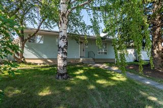 Photo 1: 204 Foritana Road SE in Calgary: Forest Heights Detached for sale : MLS®# A1116500