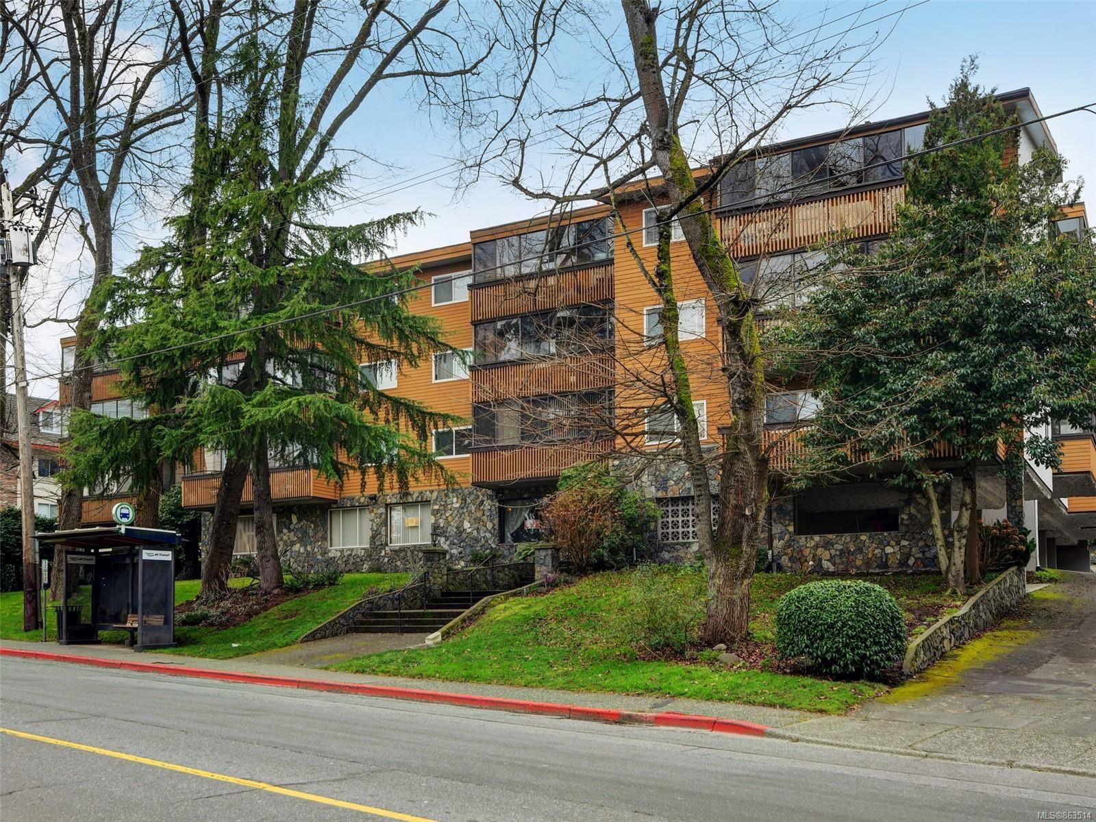 Main Photo: 209 726 Lampson St in : Es Rockheights Condo for sale (Esquimalt)  : MLS®# 863514