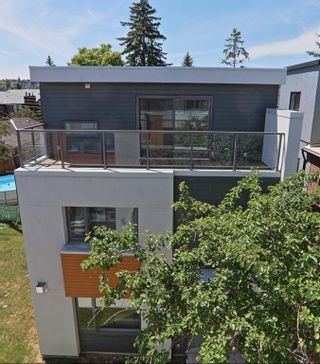 Main Photo: 2603 15 Street SW in Calgary: Bankview Row/Townhouse for sale : MLS®# A1151102