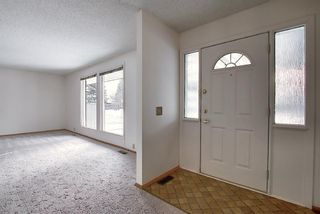 Photo 3: 762 Woodpark Road SW in Calgary: Woodlands Detached for sale : MLS®# A1048869