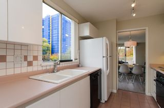 """Photo 14: 301 1566 W 13 Avenue in Vancouver: Fairview VW Condo for sale in """"Royal Gardens"""" (Vancouver West)  : MLS®# R2011878"""