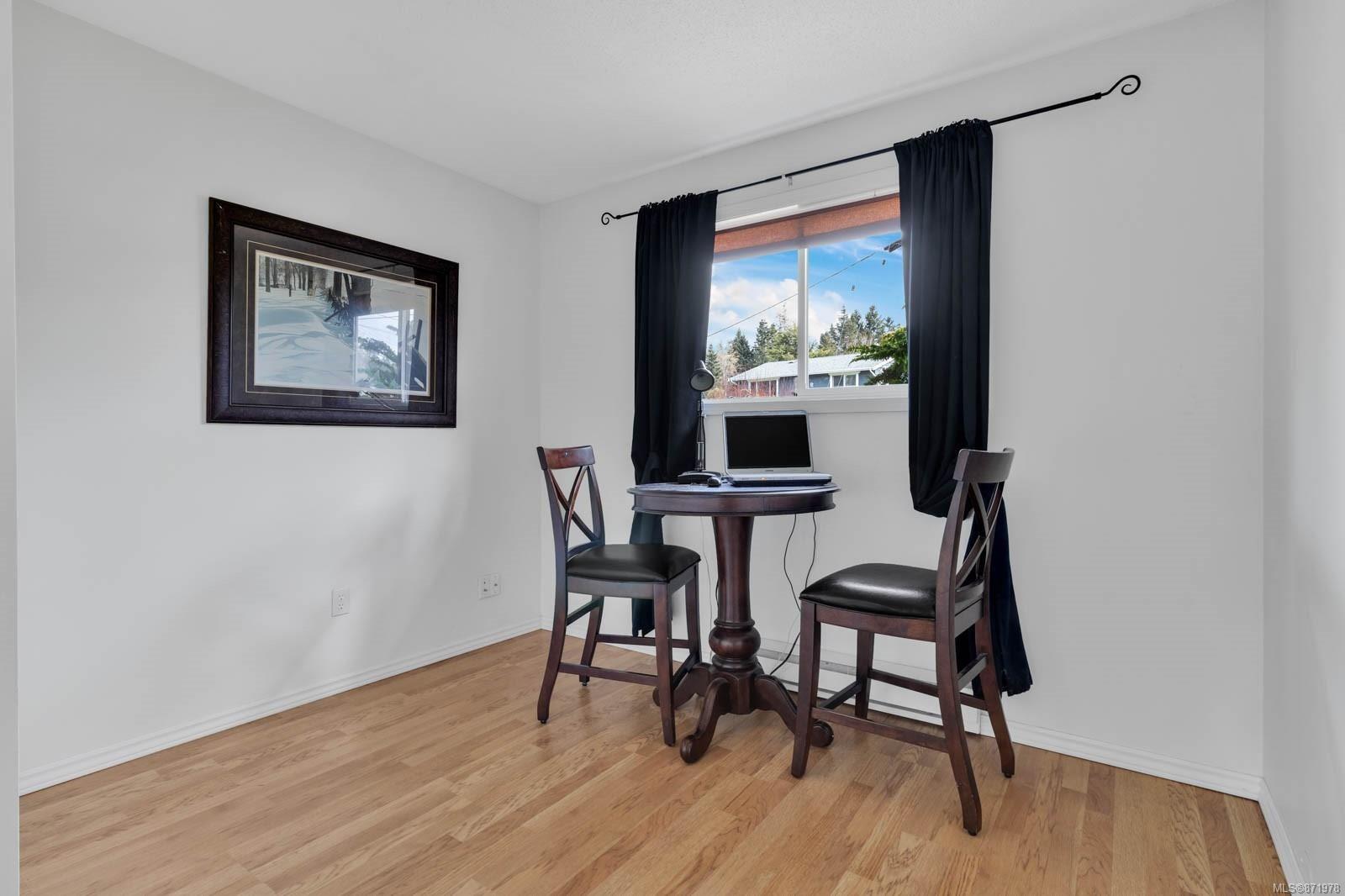 Photo 18: Photos: 1539 Chilcotin Cres in : CV Comox (Town of) House for sale (Comox Valley)  : MLS®# 871978
