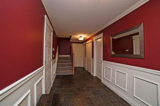 Photo 2: 8550 DOERKSEN Drive in Mission: Mission BC House for sale : MLS®# R2084390