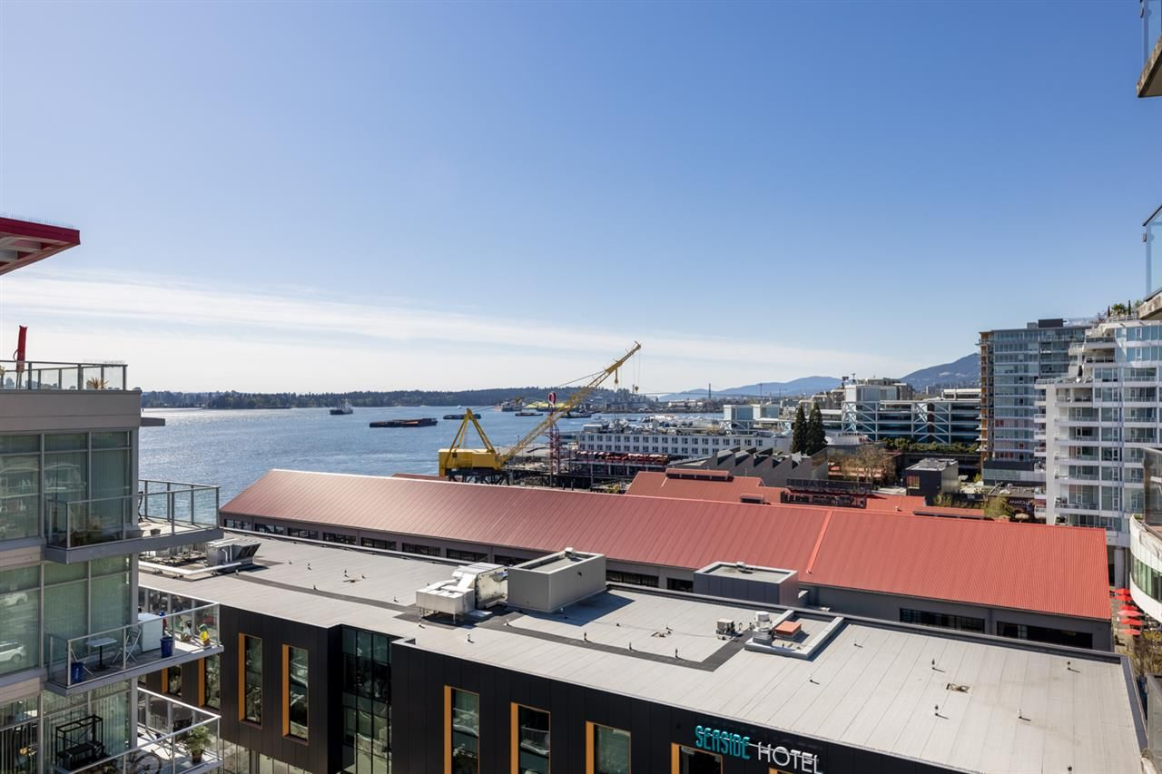 """Main Photo: 1005 162 VICTORY SHIP Way in North Vancouver: Lower Lonsdale Condo for sale in """"Atrium West"""" : MLS®# R2569351"""