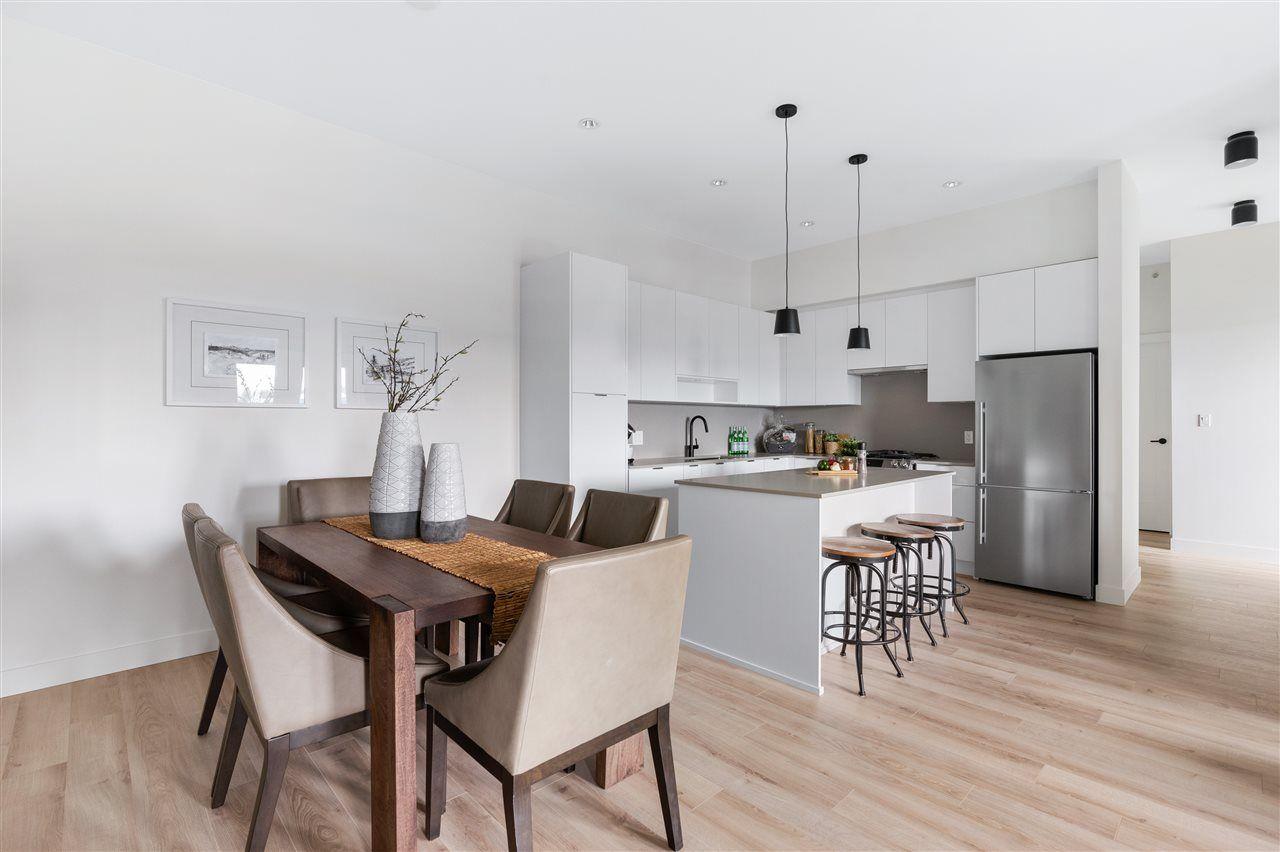 "Main Photo: 519 2493 MONTROSE Avenue in Abbotsford: Central Abbotsford Condo for sale in ""Upper Montrose"" : MLS®# R2540803"