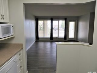Photo 5: 111 312 108th Street in Saskatoon: Sutherland Residential for sale : MLS®# SK852333