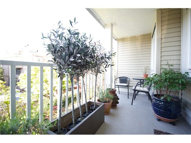 Photo 11: Photos: # 11 1949 W 8TH AV in Vancouver: Kitsilano Condo for sale (Vancouver West)  : MLS®# V1077234