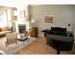 """Photo 3: 4662 CAPILANO Road in North_Vancouver: Canyon Heights NV Townhouse for sale in """"CANYON LANE"""" (North Vancouver)  : MLS®# V759165"""