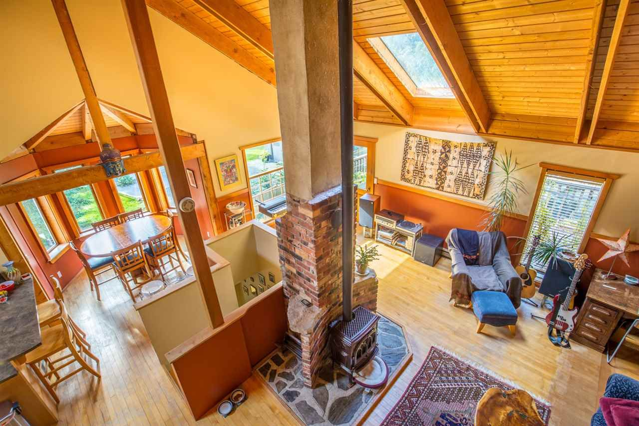 Photo 3: Photos: 1258 ROBERTS CREEK Road: Roberts Creek House for sale (Sunshine Coast)  : MLS®# R2116447