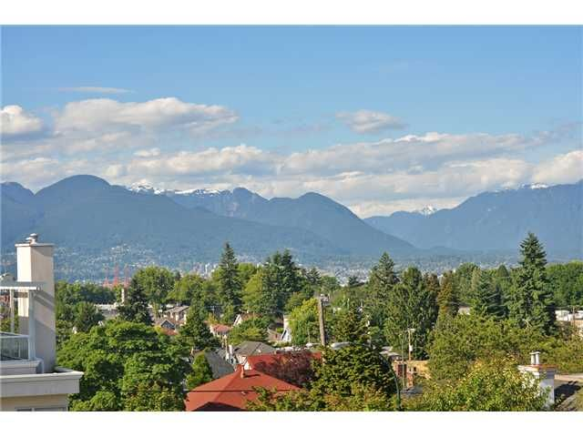 """Main Photo: 620 W 26TH Avenue in Vancouver: Cambie Townhouse for sale in """"Grace Estates"""" (Vancouver West)  : MLS®# V1069427"""
