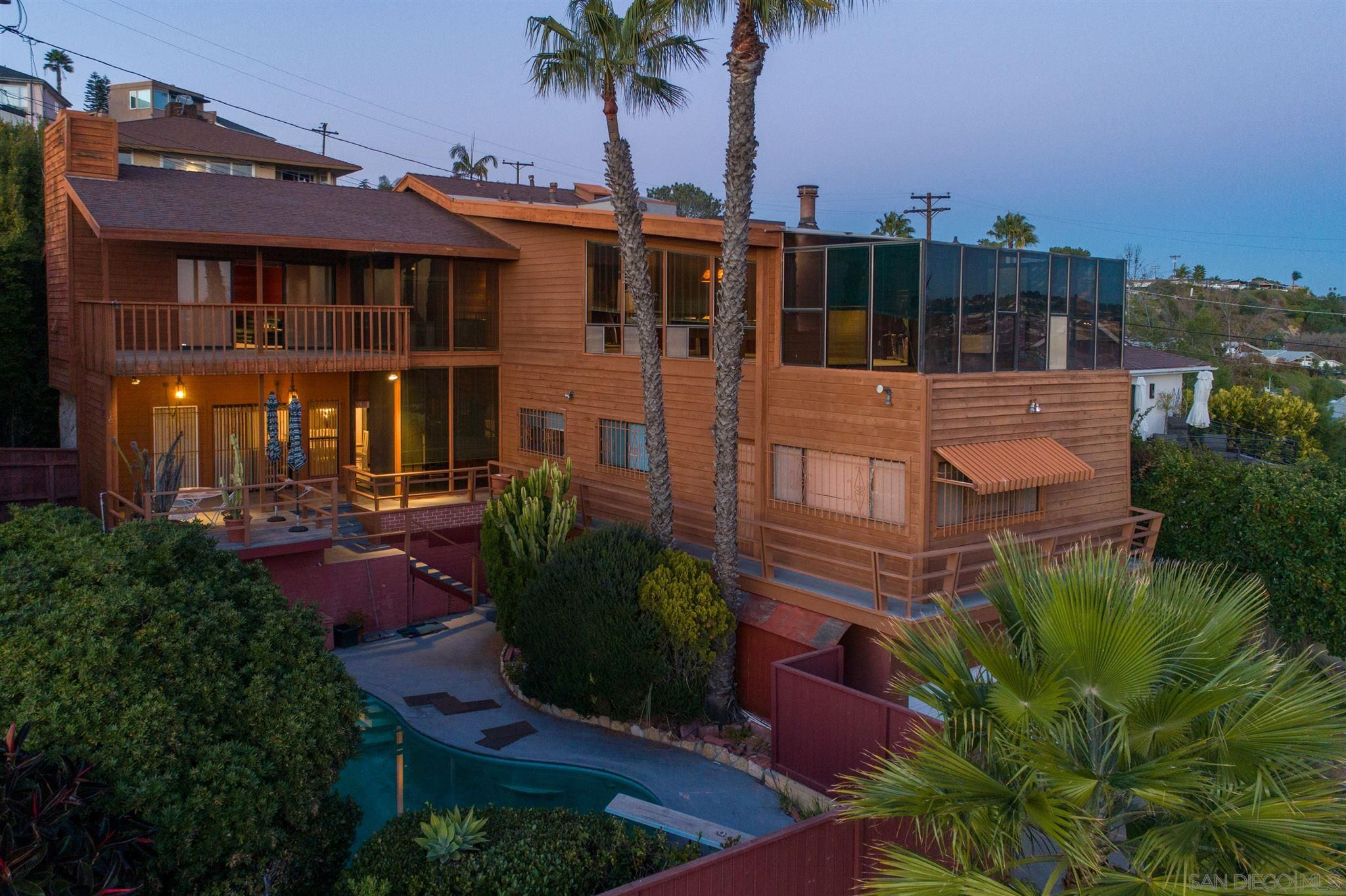 Main Photo: PACIFIC BEACH House for sale : 4 bedrooms : 2491 Wilbur Ave in San Diego