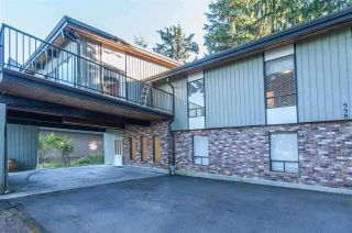 Photo 2: 558 YALE Road in Port Moody: College Park PM House for sale : MLS®# R2587942