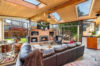 Photo 13: 2548 Wesley Pl in : Vi Oaklands House for sale (Victoria)  : MLS®# 866371