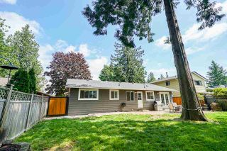 "Photo 16: 5901 ABERDEEN Street in Surrey: Cloverdale BC House for sale in ""Jersey Hills"" (Cloverdale)  : MLS®# R2383785"