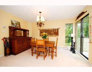 """Photo 2: 5745 MAYVIEW Circle in Burnaby: Burnaby Lake Townhouse for sale in """"ONE ARBOR LANE"""" (Burnaby South)  : MLS®# V645209"""