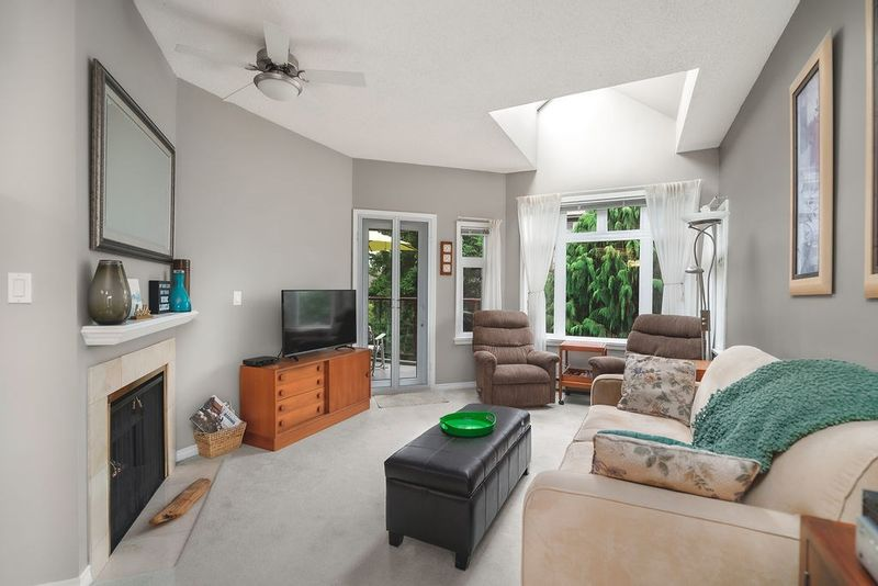 FEATURED LISTING: 506 - 2800 CHESTERFIELD Avenue North Vancouver