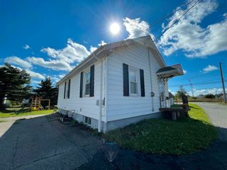 Photo 2: 2 Shaws Lane in Glace Bay: 203-Glace Bay Residential for sale (Cape Breton)  : MLS®# 202124672