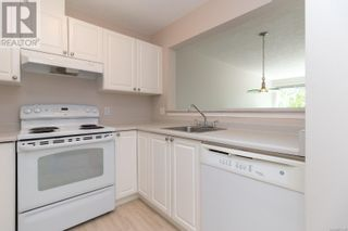Photo 13: 322 2245 James White Blvd in Sidney: House for sale : MLS®# 877140