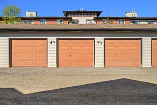 Photo 26: 38 Eversyde Common SW in Calgary: Evergreen Row/Townhouse for sale : MLS®# A1144628