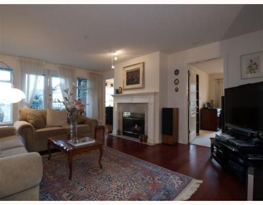"Main Photo: 111 1140 STRATHAVEN Drive in North Vancouver: Northlands Condo for sale in ""STRATHAVEN"" : MLS®# V755316"