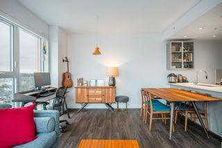 """Photo 4: PH4 983 E HASTINGS Street in Vancouver: Strathcona Condo for sale in """"STRATHCONA VILLAGE"""" (Vancouver East)  : MLS®# R2603443"""