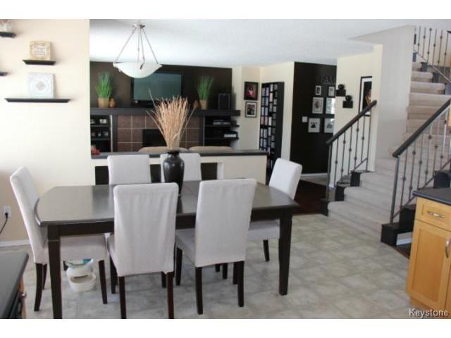 Photo 9: Photos: 100 Harding Crescent in WINNIPEG: St Vital Residential for sale (South East Winnipeg)  : MLS®# 1403083