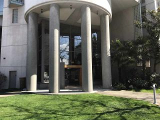 """Photo 5: 2403 120 W 2ND Street in North Vancouver: Lower Lonsdale Condo for sale in """"OBSERVATORY"""" : MLS®# R2252153"""