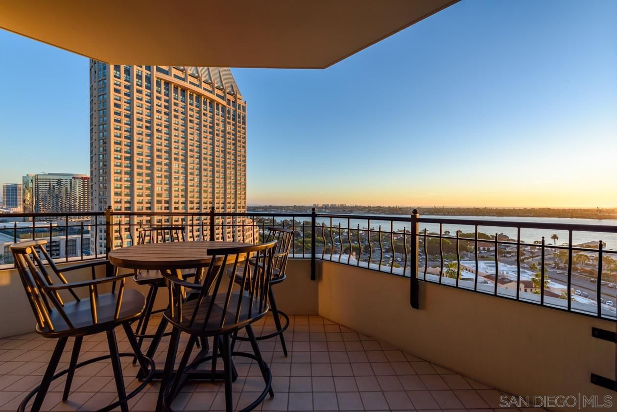 Main Photo: DOWNTOWN Condo for sale : 2 bedrooms : 700 W Harbor Dr #1503 in San Diego