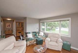 Photo 15: 127 Wedgewood Drive SW in Calgary: Wildwood Detached for sale : MLS®# A1056789