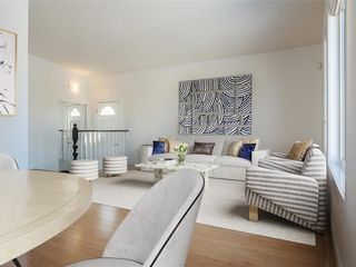 Photo 3: 23 Mitchell Place in Winnipeg: Tyndall Park Residential for sale (4J)  : MLS®# 202103686