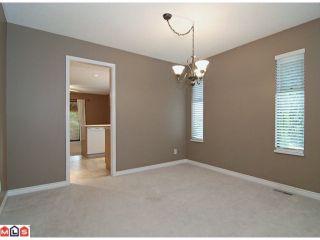 "Photo 3: 9524 209B Street in Langley: Walnut Grove House for sale in ""WALNUT GROVE"" : MLS®# F1118080"