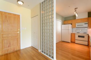 """Photo 5: 306 1920 E KENT AVENUE SOUTH in Vancouver: Fraserview VE Condo for sale in """"HARBOUR HOUSE"""" (Vancouver East)  : MLS®# R2265562"""
