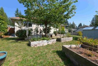 """Photo 23: 811 AURORA Way in Gibsons: Gibsons & Area House for sale in """"Upper Gibsons"""" (Sunshine Coast)  : MLS®# R2497143"""