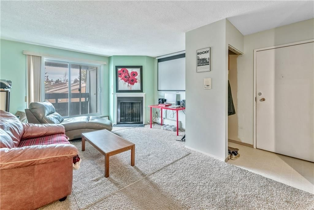 Photo 8: Photos: 9306 315 SOUTHAMPTON Drive SW in Calgary: Southwood Apartment for sale : MLS®# C4224686