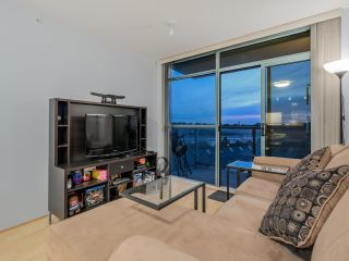 """Photo 5: 803 2763 CHANDLERY Place in Vancouver: Fraserview VE Condo for sale in """"RIVER DANCE"""" (Vancouver East)  : MLS®# R2067616"""