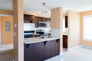 """Photo 5: 319 46289 YALE Road in Chilliwack: Chilliwack E Young-Yale Condo for sale in """"NEWMARK"""" : MLS®# R2507813"""