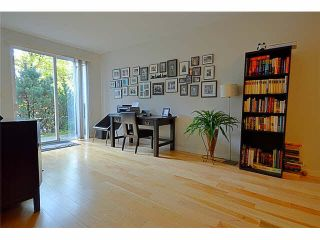 """Photo 11: 110 1465 PARKWAY Boulevard in Coquitlam: Westwood Plateau Townhouse for sale in """"SILVER OAK"""" : MLS®# V1092299"""