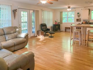 Photo 3: 28 BEECHWOOD Drive in Conquerall Mills: 405-Lunenburg County Residential for sale (South Shore)  : MLS®# 202124292