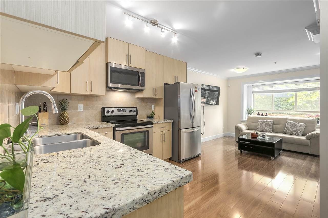 Photo 2: Photos: 89 N GARDEN Drive in Vancouver: Hastings Townhouse for sale (Vancouver East)  : MLS®# R2232859