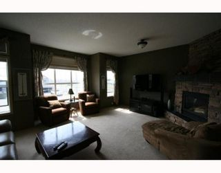Photo 11: 58 ROYAL OAK Cove NW in CALGARY: Royal Oak Residential Detached Single Family for sale (Calgary)  : MLS®# C3376305
